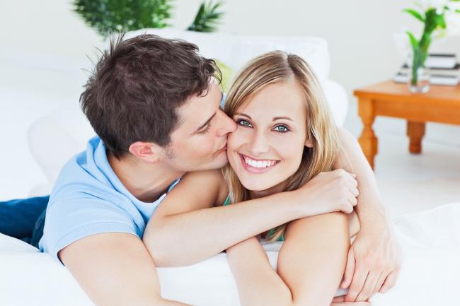 Randění a líbání hry pro dívky zdarma